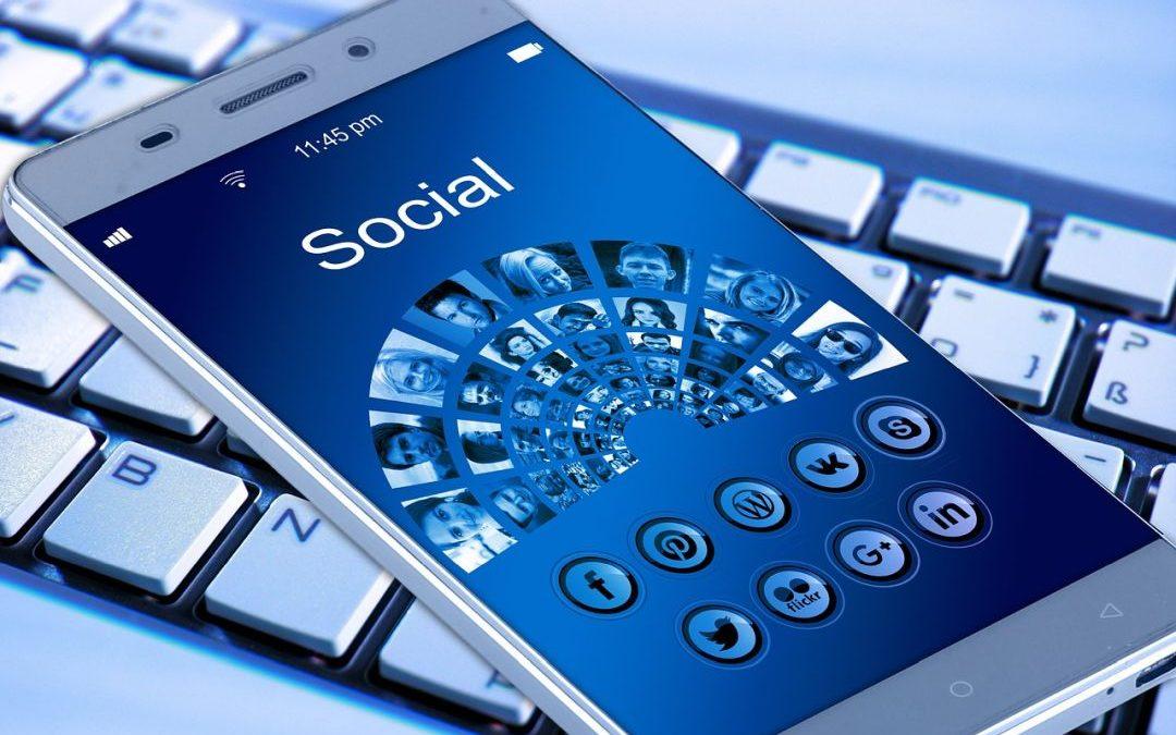 facebook, media społecznościowe